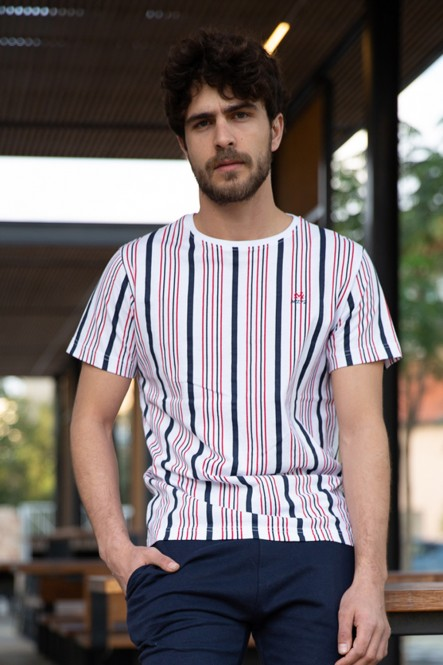 The striped tee of Damien