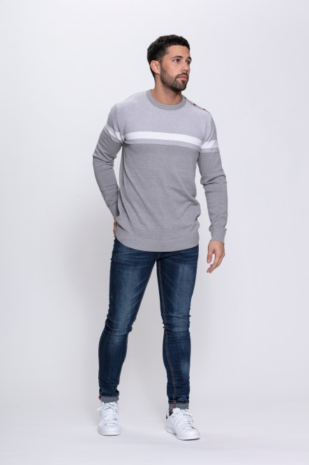 Round round neck sweater...